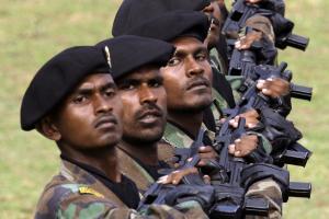 Des soldats sri-lankais, le 28 mai à Colombo [REUTERS/DAVID GRAY ]